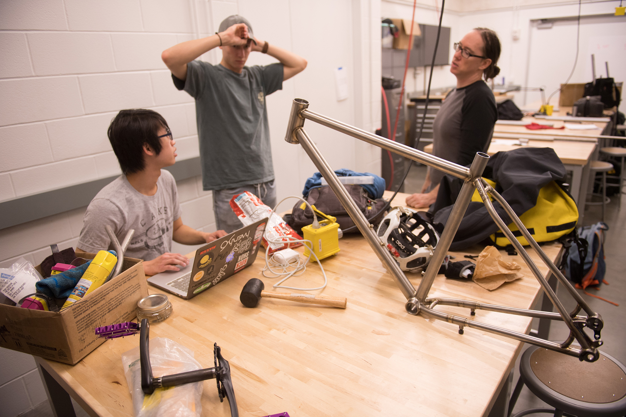 students in bike building class