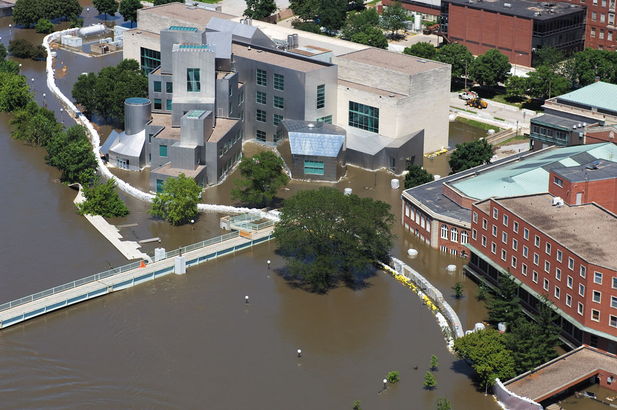Aerial view of campus during the 2008 flood
