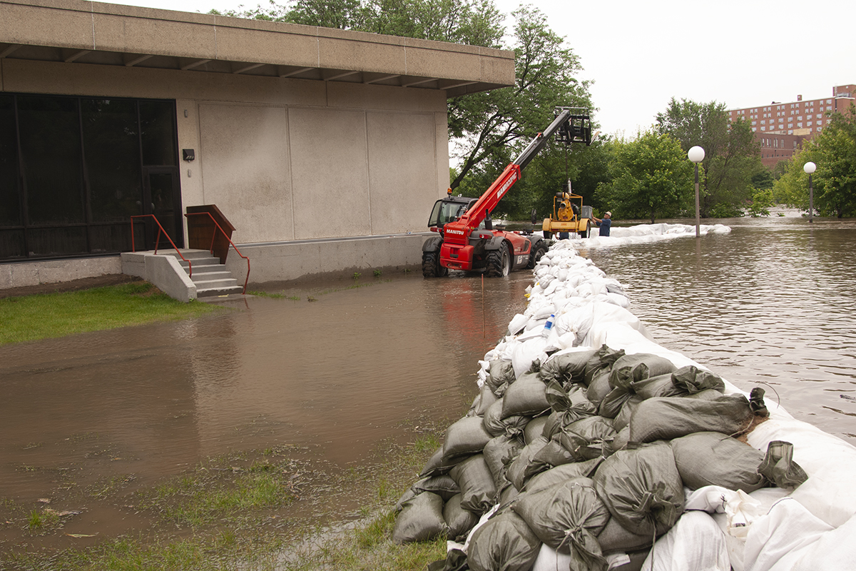 sandbags around the university of iowa museum of art could not hold back the floodwaters