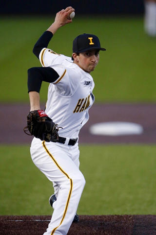 Jared Mandel pitching for the Iowa Hawkeyes