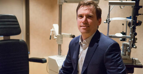 University of Iowa alum Jeffrey Lynch in an eye exam room